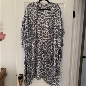 Leopard love stitch kimono